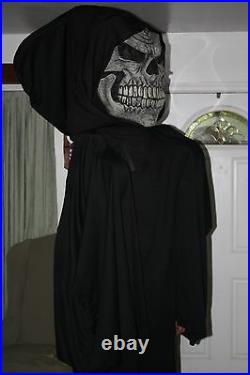 8' Tall Grim Reaper Costume withCreepy Hands & Voice Changer