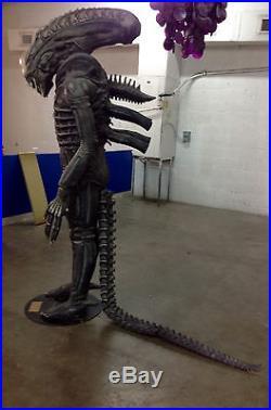 Alien Prop 8 Feet Tall