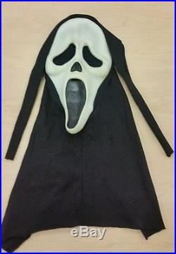Funworld SCREAM Ghostface Mask GLOWS Cloth Hood