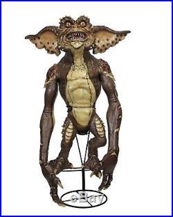 Gremlins 2 Prop Replica Stunt Puppet Brown Gremlin NECA