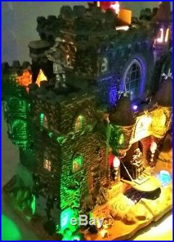 NEW MOST RARE, Black Castle #95826, Lemax Spooky Town Halloween Retired