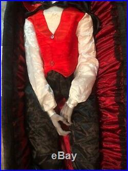 Rare Life Size Animated Vampire In Coffin Dracula / Grandin Road Halloween