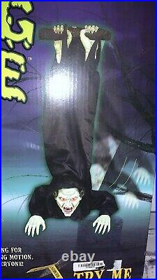 Rocking Vampire Spirit Halloween 2010 Rare Gemmy Morbid Animated Sound Prop