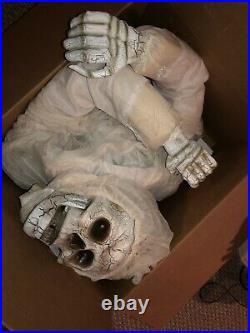 Skeleton Life Size Gemmy Halloween Prop Rare Htf Morbid Animated