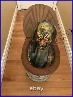 Spirit Halloween Pop Up Zombie Toilet Animated Pop-up 22 Retired Same Day Ship
