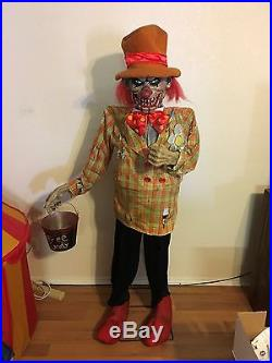 Uncle Charlie Lifesize Animated Evil Killer Clown Halloween Prop