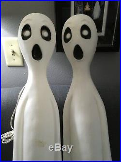 Union Products 1995 Featherstone Ghost Halloween Plastic Blow Mold Lighted Yard