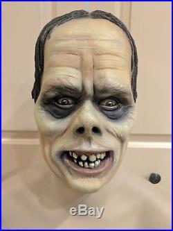 Universal Phantom of the Opera Shirt Display Mannequin Vintage Monster Mask Toy